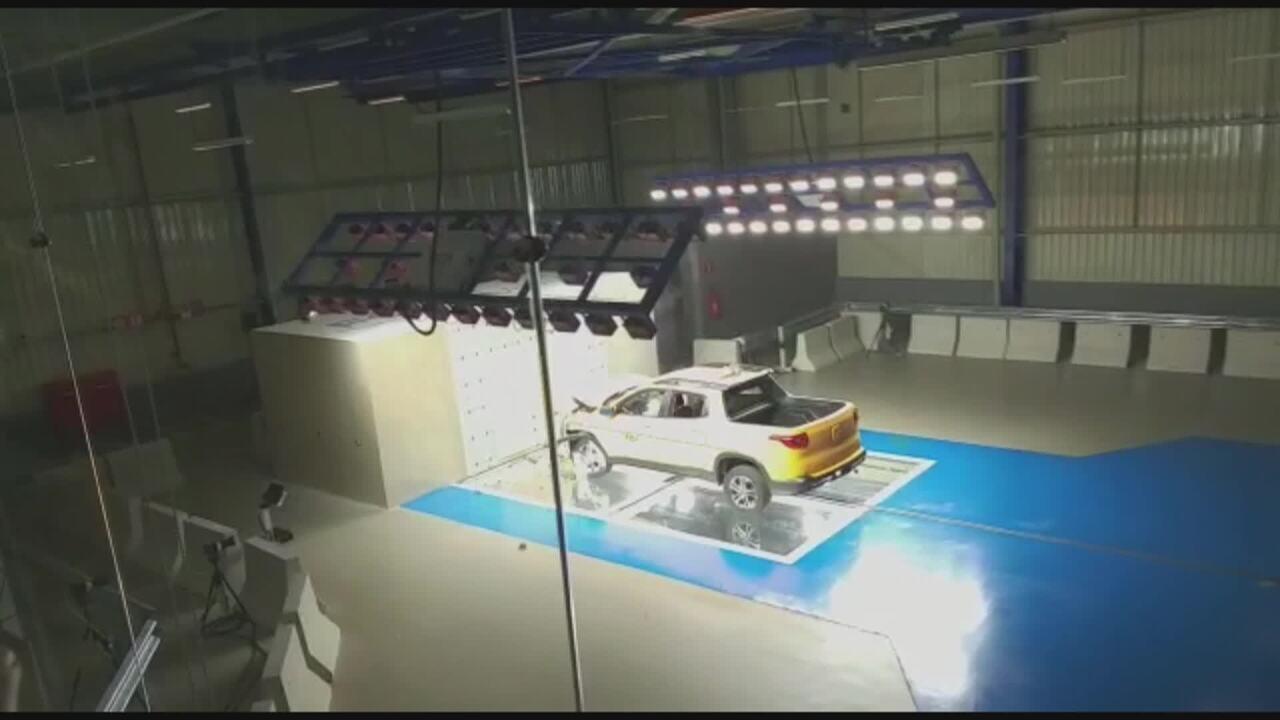 Veja crash test da Fiat Toro na fábrica