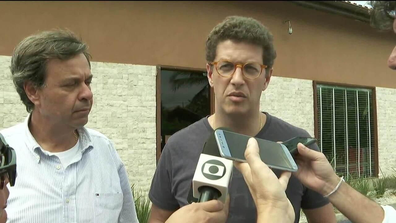 Após reclamação de Bolsonaro, Ricardo Salles vai a Fernando de Noronha