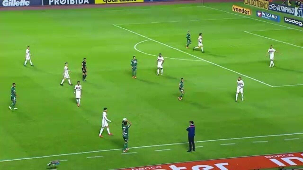 Alexandre Pato ajuda o São Paulo na marcação