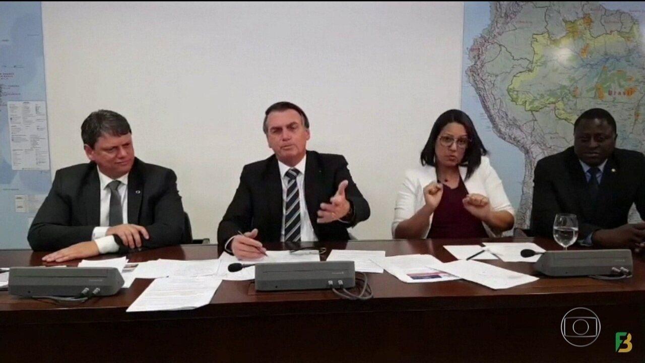 Bolsonaro volta a dizer que indicar filho para embaixada não é nepotismo