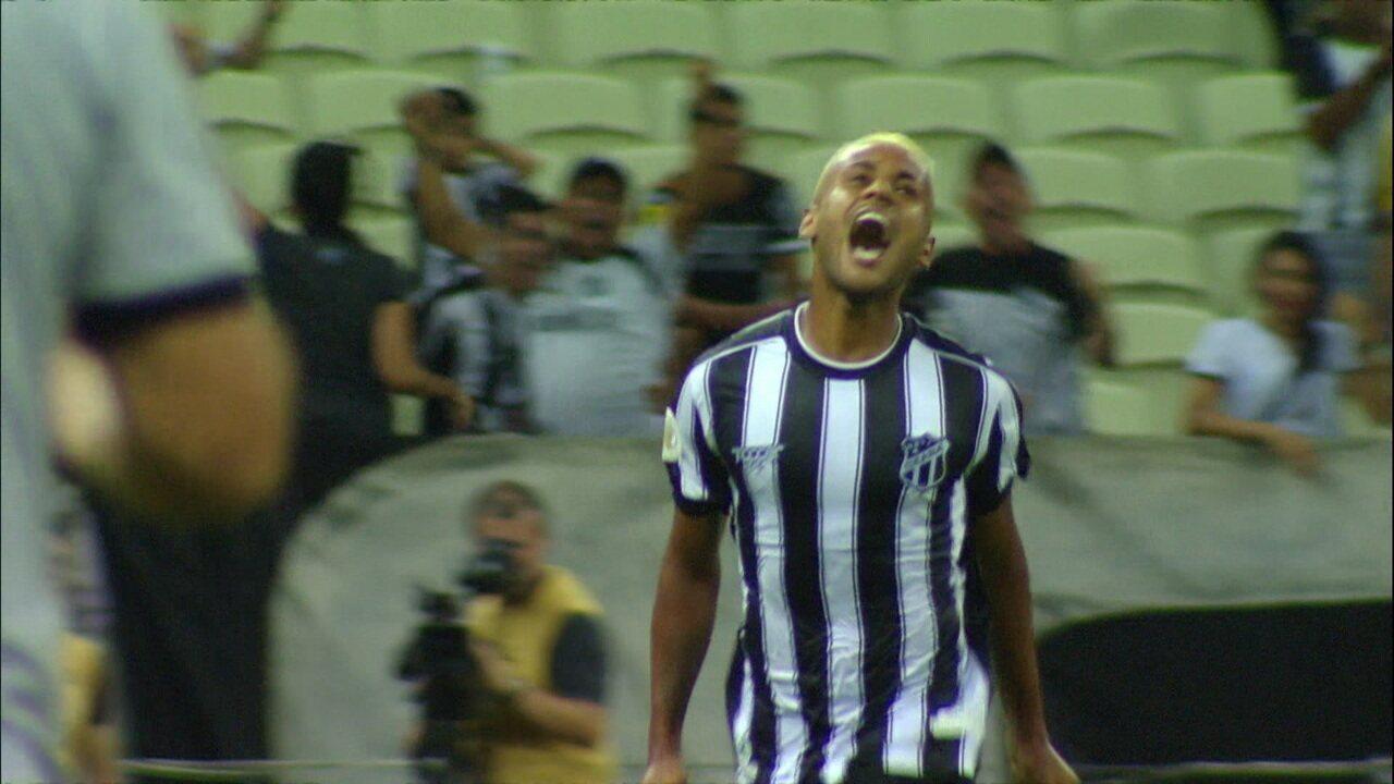 Gol do Ceará! Matheus Gonçalves pega sobra na área e abre o placar, aos 31' do 1ºT