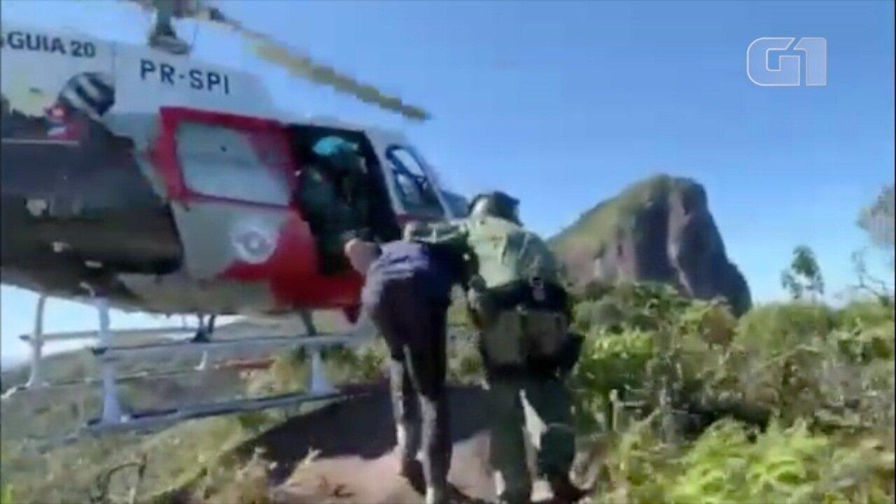 Turista é resgatado do Pico do Corcovado pelo helicóptero Águia da PM