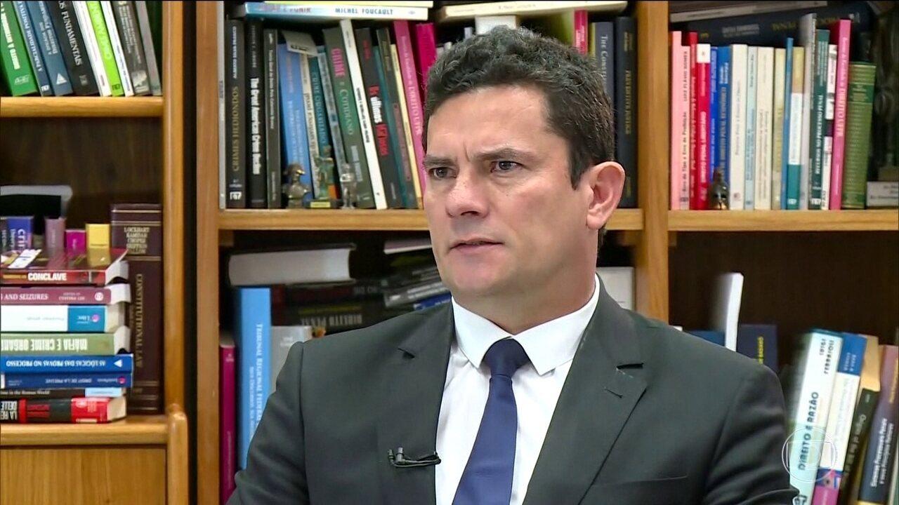 PF encontra R$ 100 mil na casa de suspeito de hackear celular de Moro
