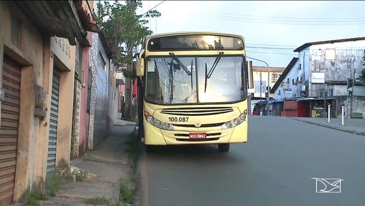 Ônibus é alvo de assalto em São Luís