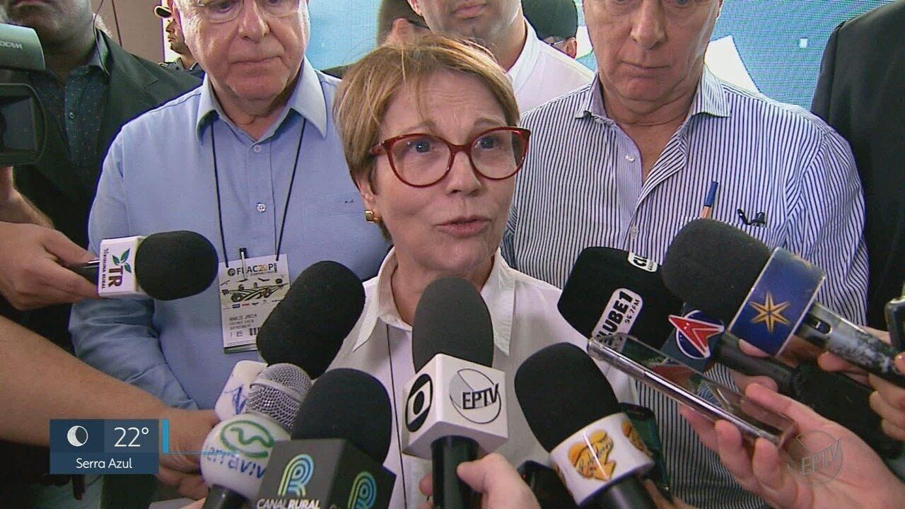 Ministra da Agricultura participa de fórum em feira do agronegócio em Bebedouro, SP