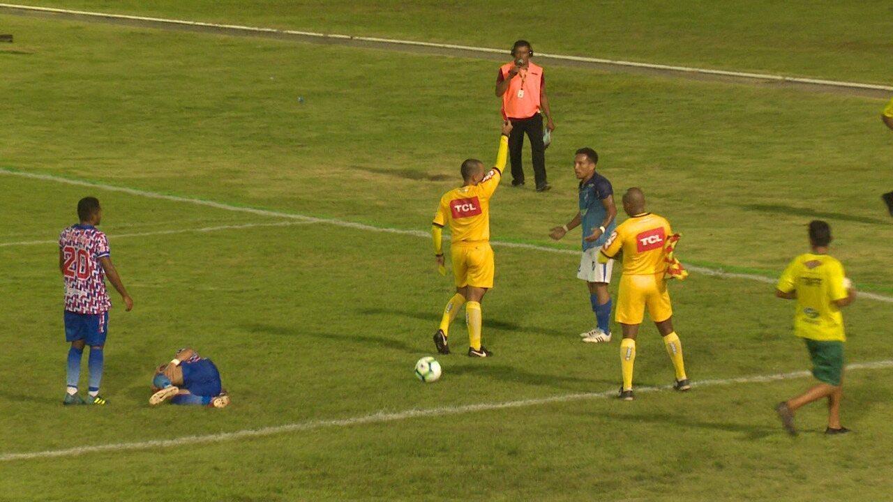 Kayo Fernando é expulso com cartão vermelho direto no 1º tempo contra o Braga-PA