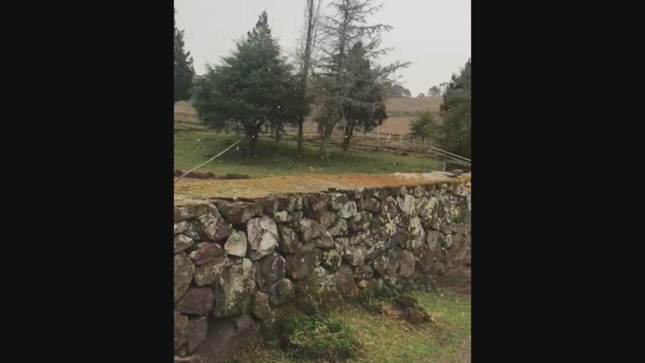 Bom Jardim da Serra registra neve nesta sexta (2)