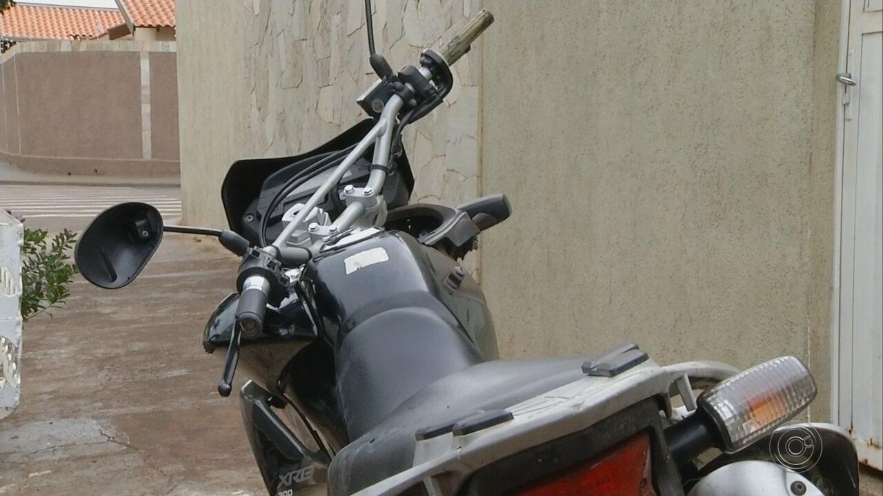 Motociclista de Ourinhos morre após bater em caçamba e ser atropelado por caminhonete