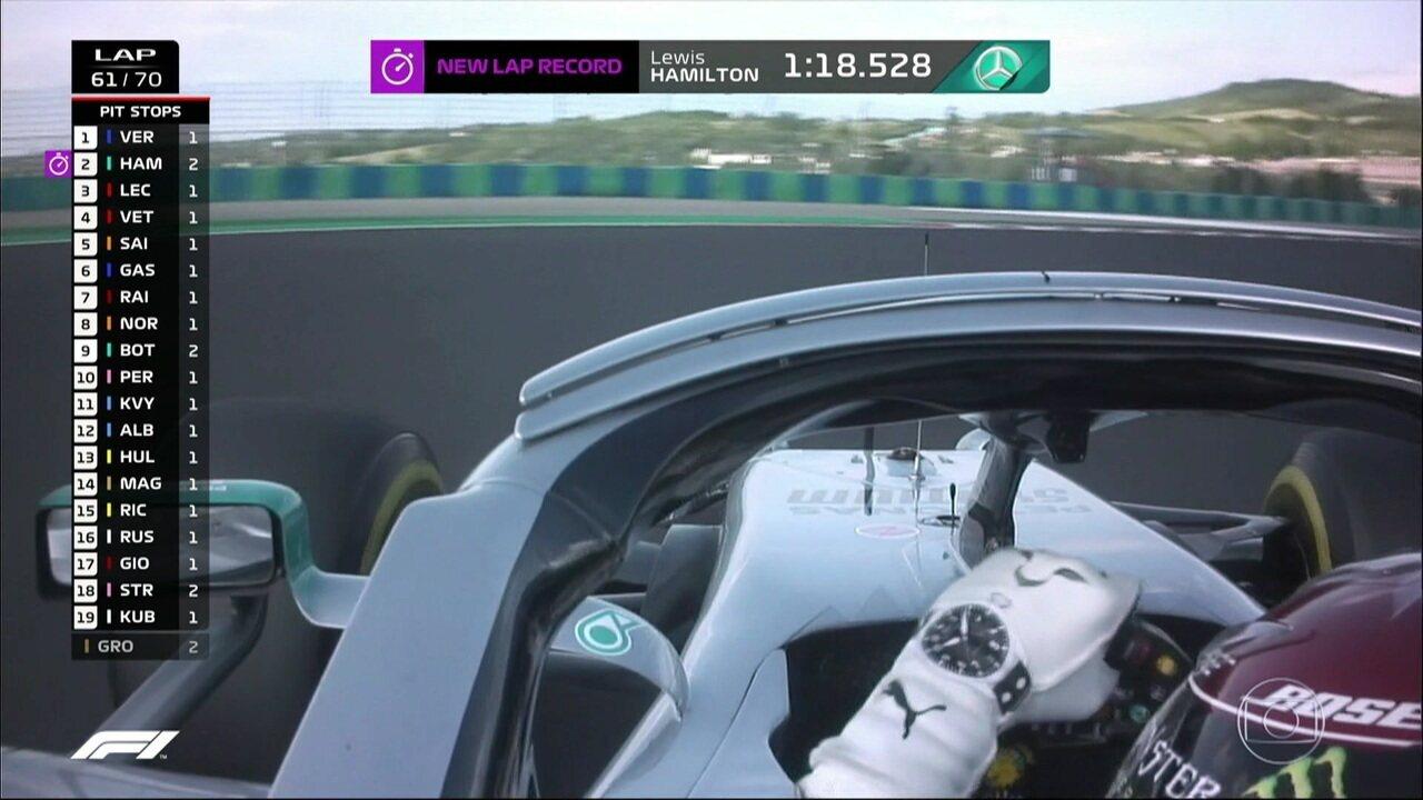 Hamilton segue tentando chegar em Verstappen e faz volta mais rápida atrás da outra