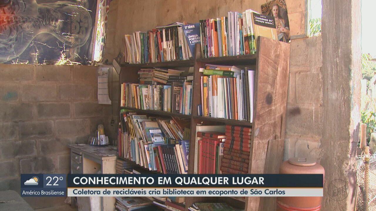 Coletora de recicláveis cria biblioteca em ecoponto de São Carlos