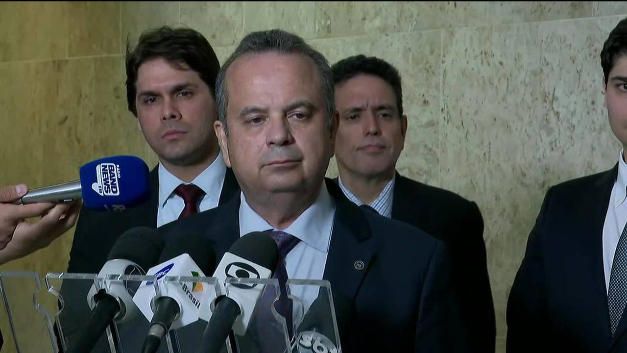 Governo decide antecipar 50% do 13º dos aposentados do INSS