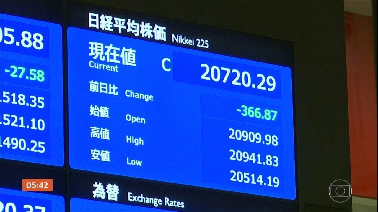 """EUA divulgam comunicado em que classifica a China como um país """"manipulador de moeda"""""""