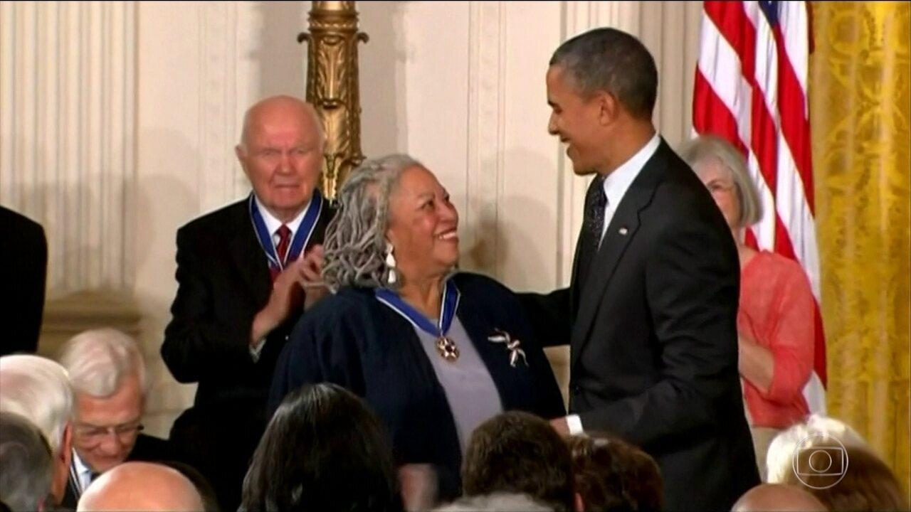Morre Toni Morrison, a primeira mulher negra a ganhar o Nobel de literatura