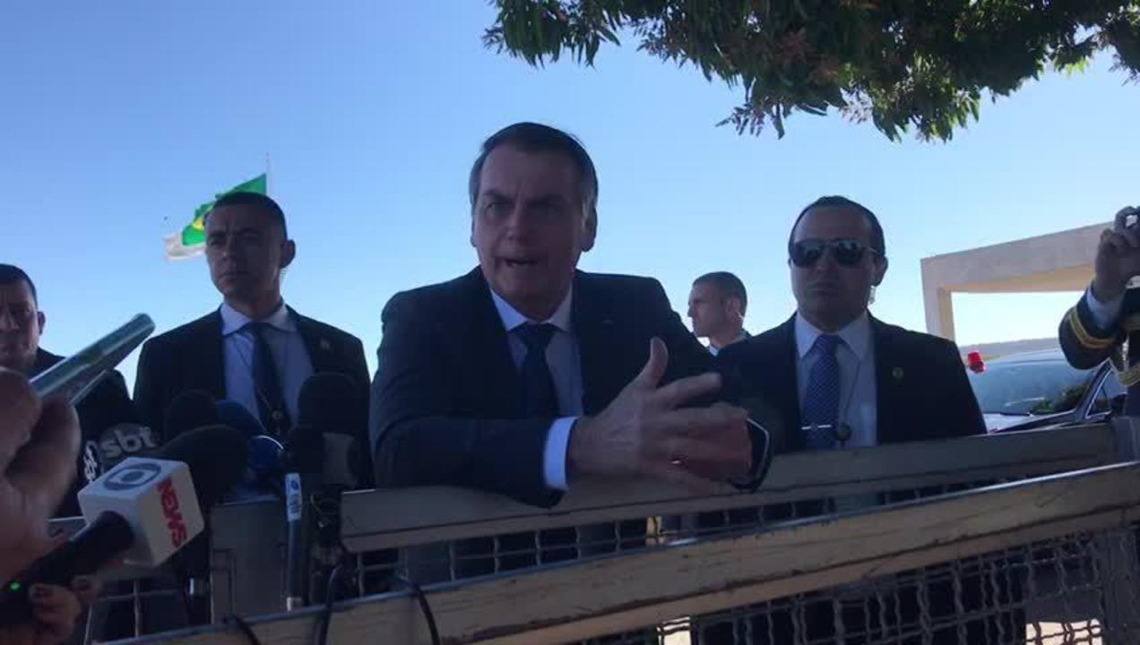 Bolsonaro chama coronel Ustra de 'héroi nacional'