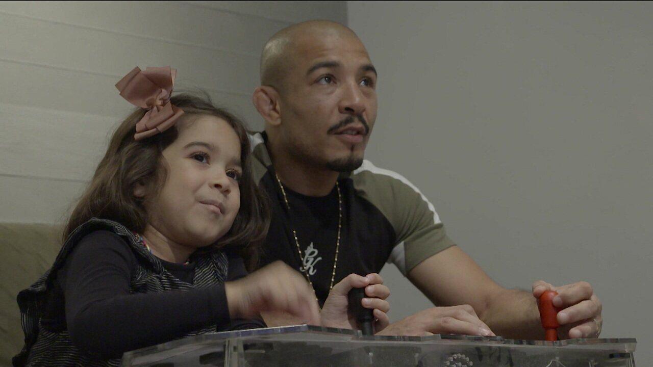 Pai atleta: José Aldo tem na filha Joana a motivação para recuperar cinturão