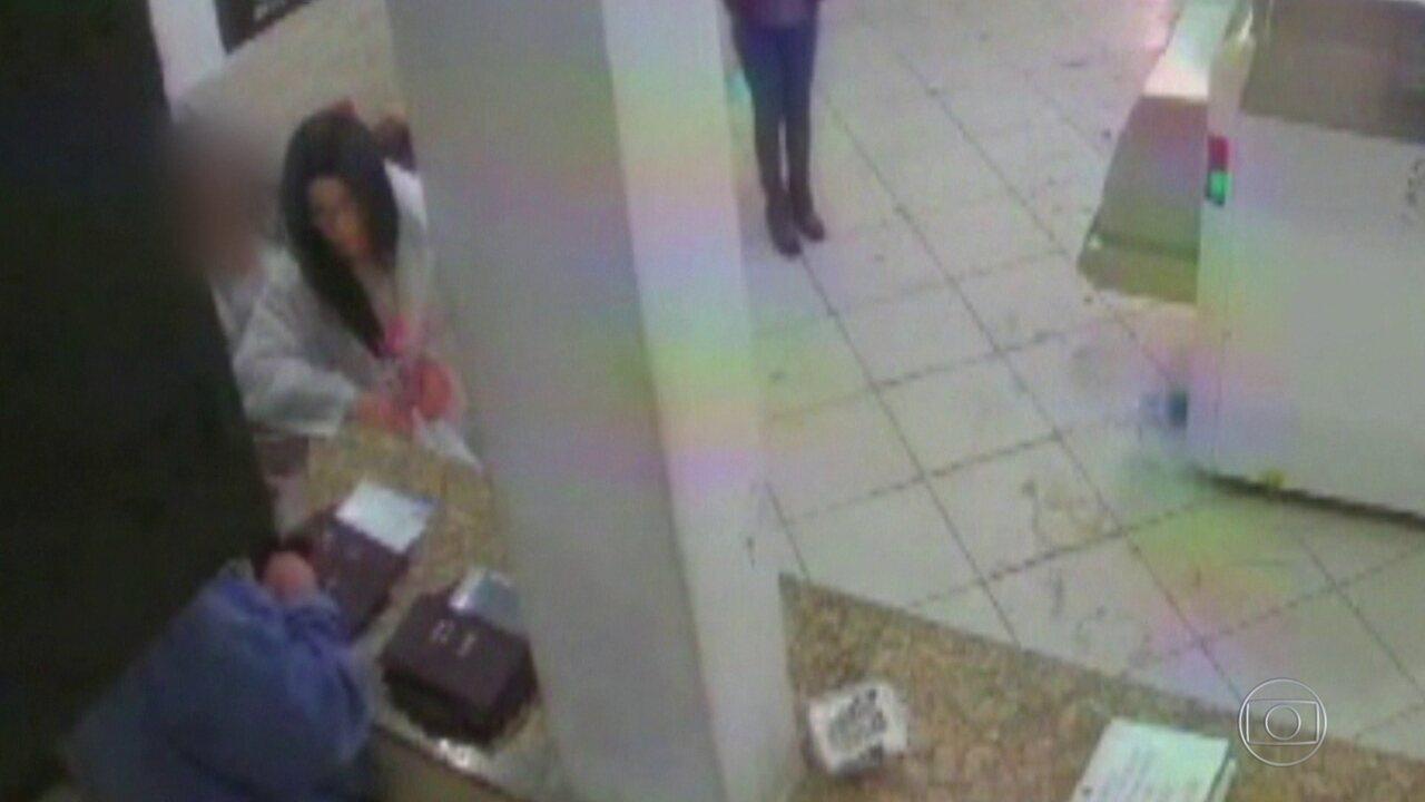 Imagens mostram momento exato em que agentes desconfiam de traficante disfarçado de mulher