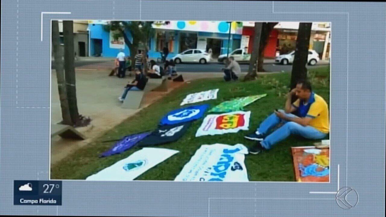 Manifestação em defesa da Educação e contra reforma da Previdência é realizada em Uberaba