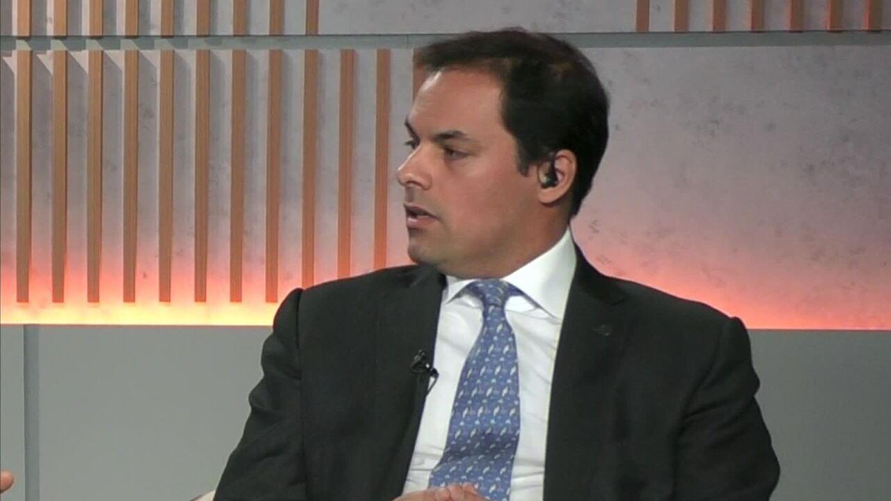 Entrevista com o secretário de Desburocratização, Gestão e Governo Digital, Paulo Uebel