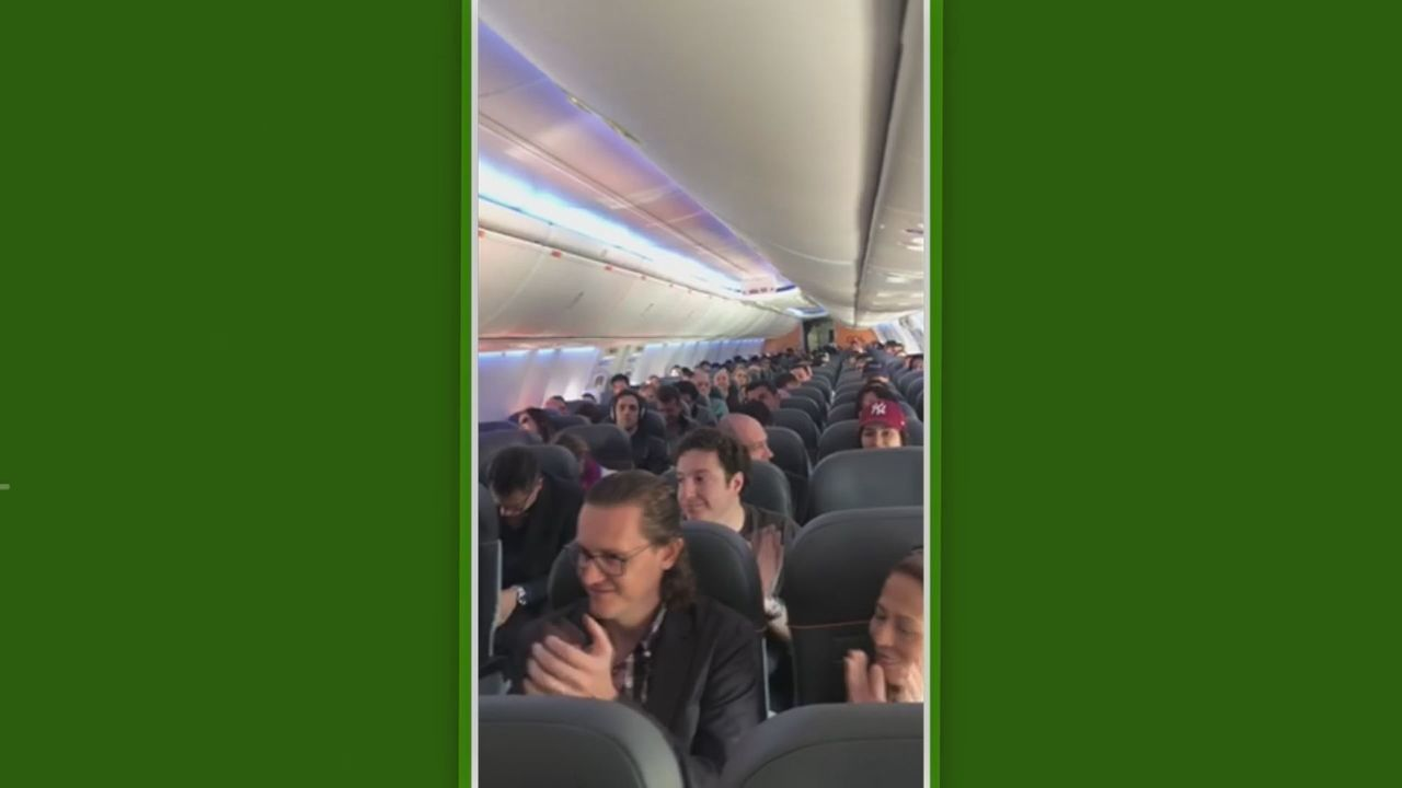 Ivan, goleiro da Ponte Preta, sabe de convocação para a Seleção dentro de avião