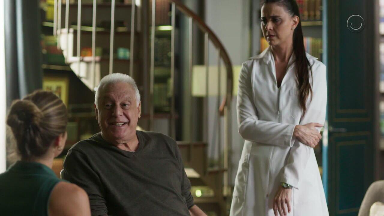 Teaser 'Bom Sucesso' 17/8: Alberto resolve ir à feijoada do Cacique de Ramos
