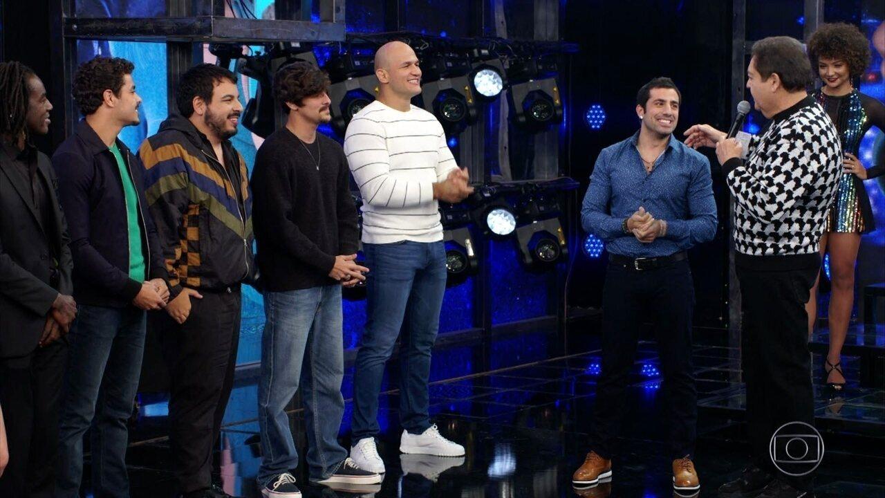 Faustão anuncia time masculino do 'Dança dos Famosos 2019'
