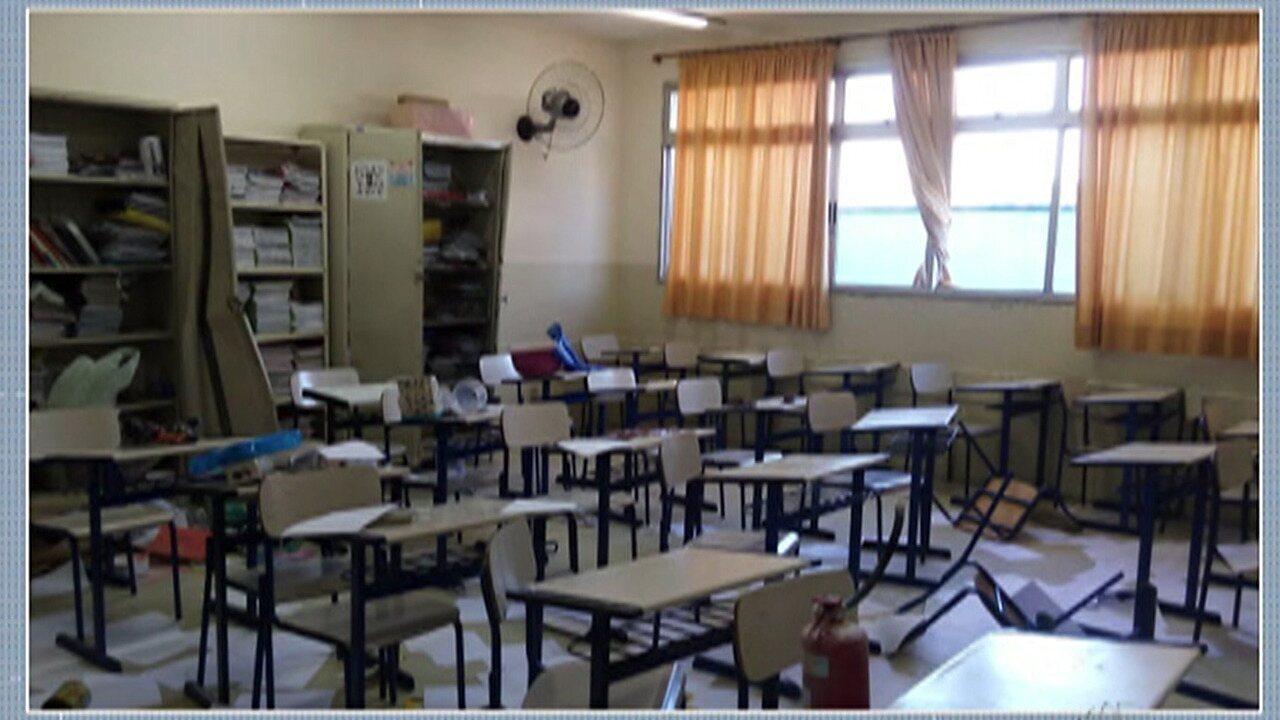 Jovens vandalizam escola em Mogi das Cruzes