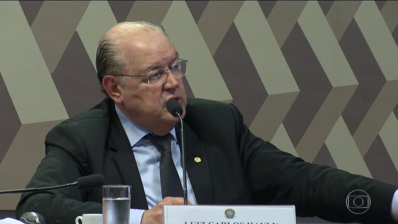 Comissão do Senado começa a debater reforma tributária