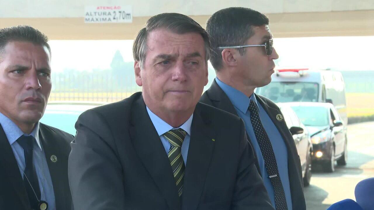 Bolsonaro confirma indicação do filho Eduardo à embaixada