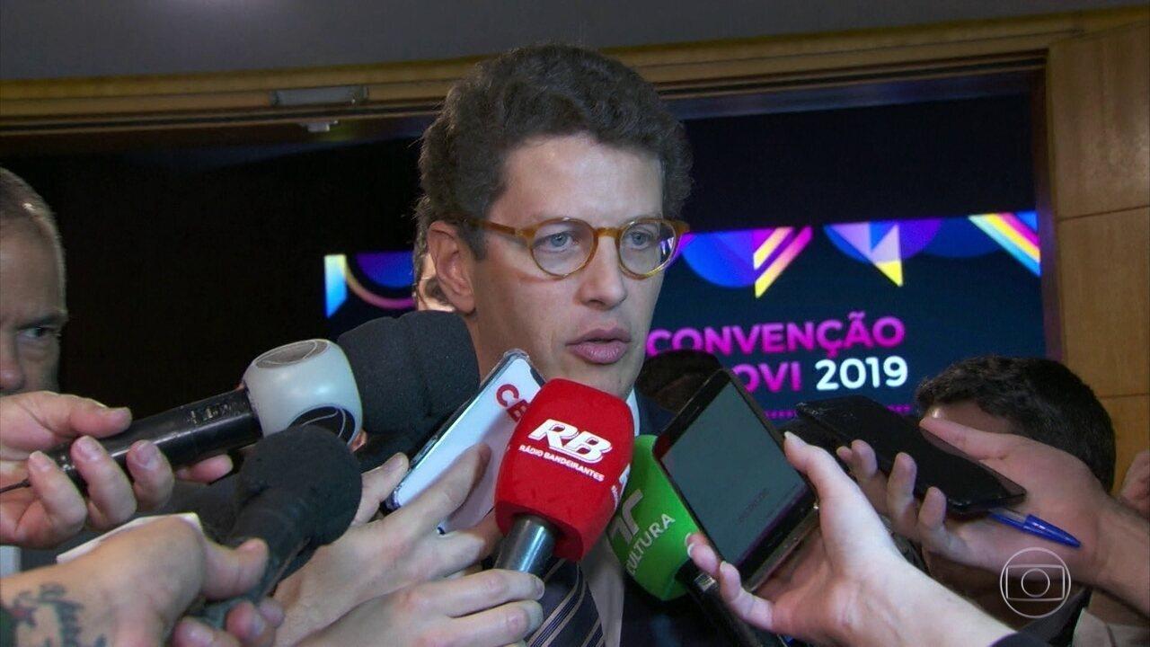 Ministro Ricardo Salles diz que ajuda do G7 é muito bem-vinda