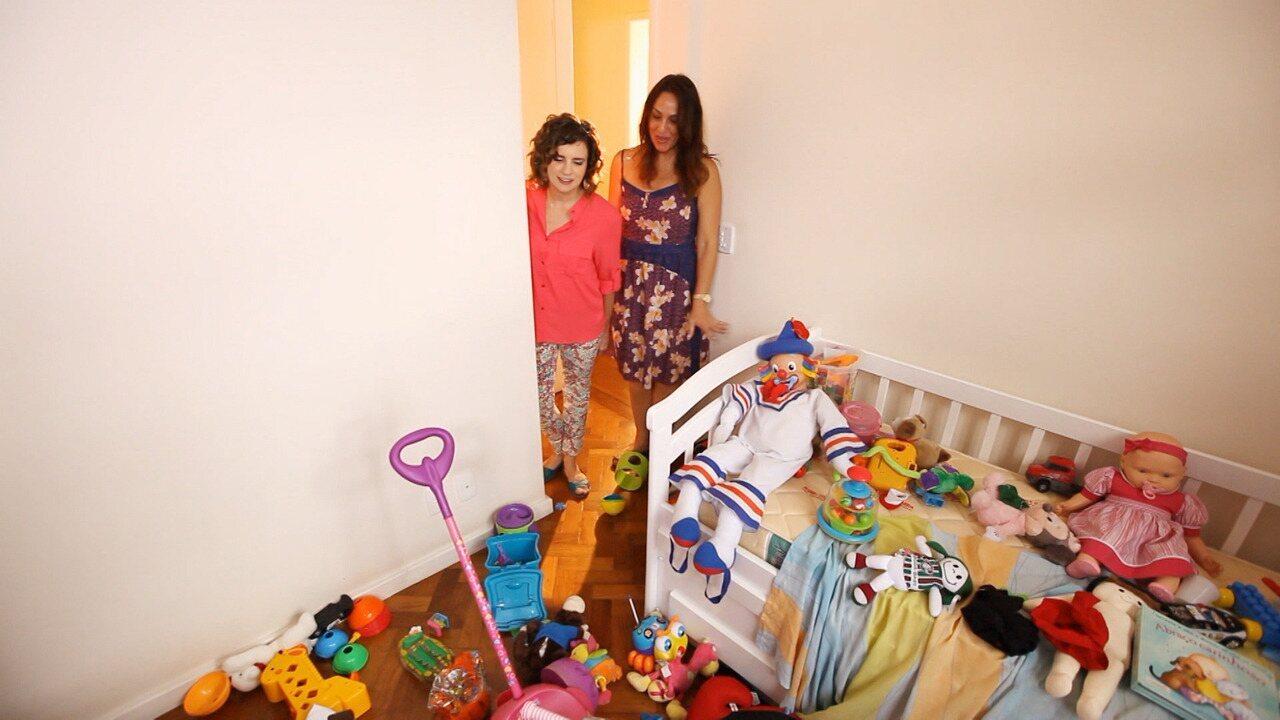 Netos na Casa da Avó - Patrícia, filha de Malka, reclama da mãe por causa da bagunça no quartinho destinado aos netos. A vovó Malka ama estar com as crianças, mas tem suas questões de organização.