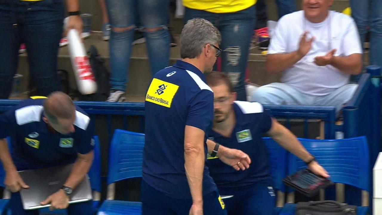 Melhores momentos de Brasil 3 x 0 Argentina em amistoso de vôlei masculino