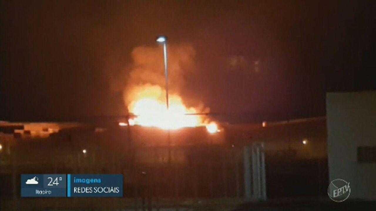 Incêndio de grandes proporções atinge condomínio de empresas em Hortolândia