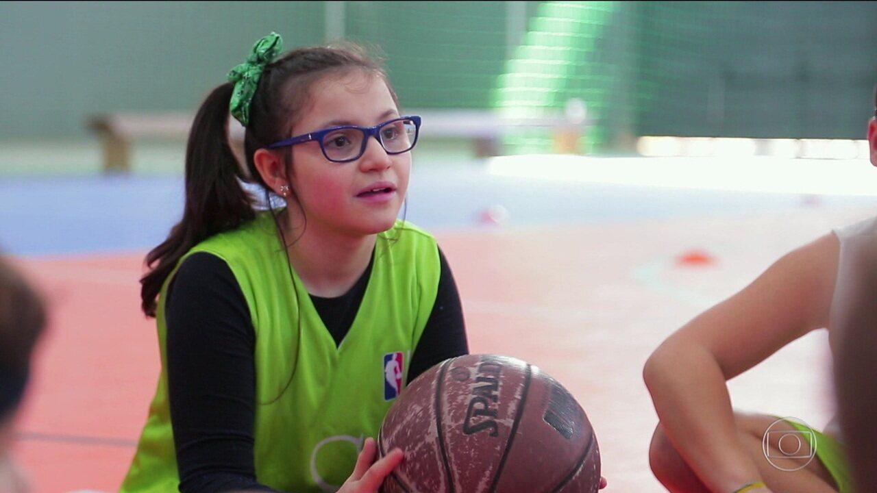 Educação física faz a diferença na vida de menina que nasceu com falta de oxigênio no cérebro