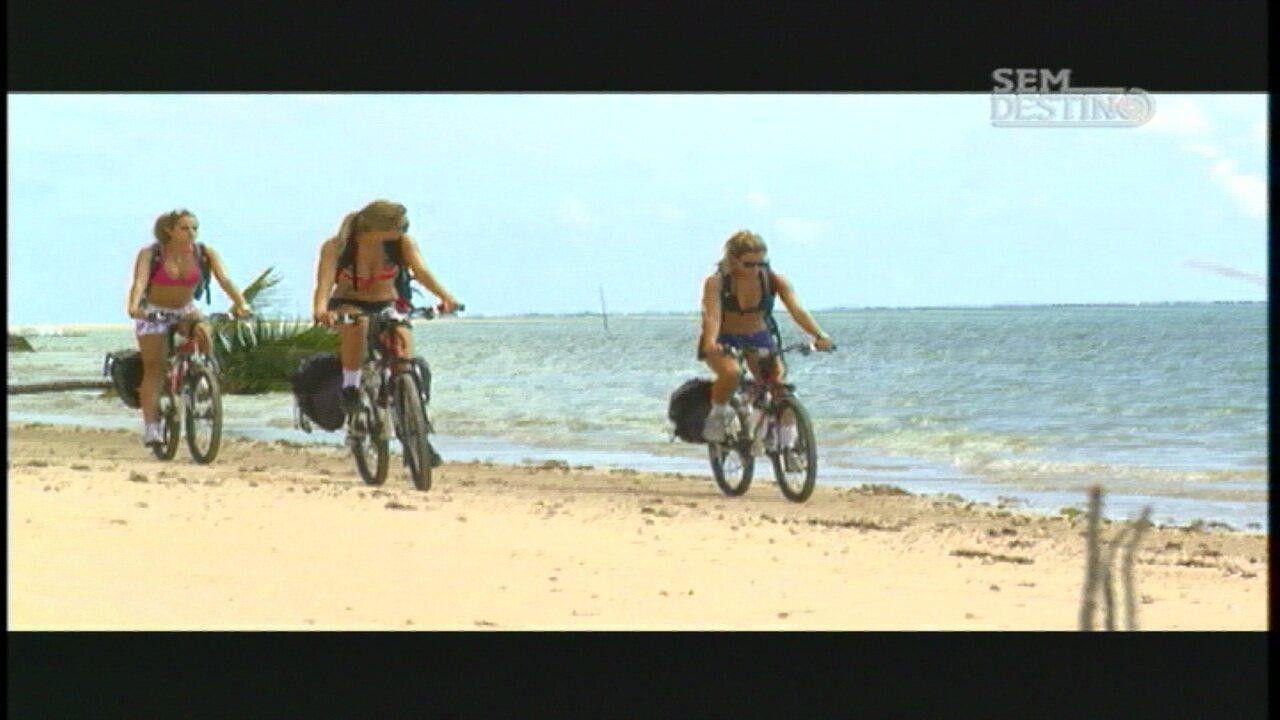 Japaratinga e Porto das Pedras - De carona, Carol, Wanda e Karol chegam a Alogoas. Elas logo conhecem um grupo de ciclistas e ganham dicas para explorar a região.