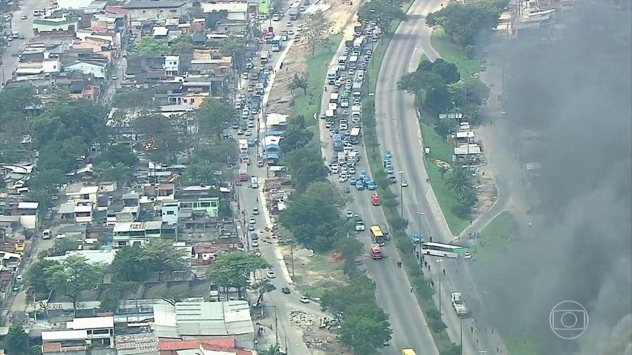Pedreiro é morto, vítima de bala perdida, enquanto trabalhava na Vila Kenedy, no Rio