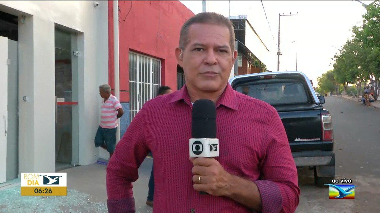 Bandidos explodem agência bancária em Senador Alexandre Costa