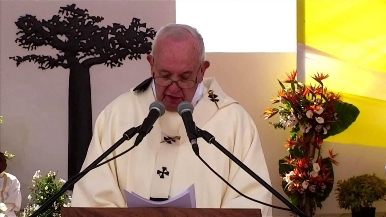 Papa faz discurso forte contra a corrupção e o clientelismo