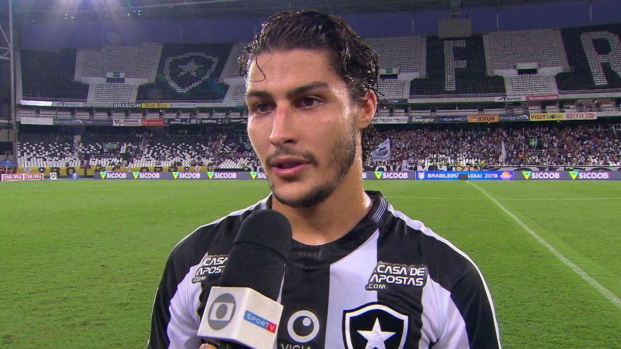 Marcinho diz que Botafogo tem que se mobilizar para buscar coisas maiores no Brasileirão