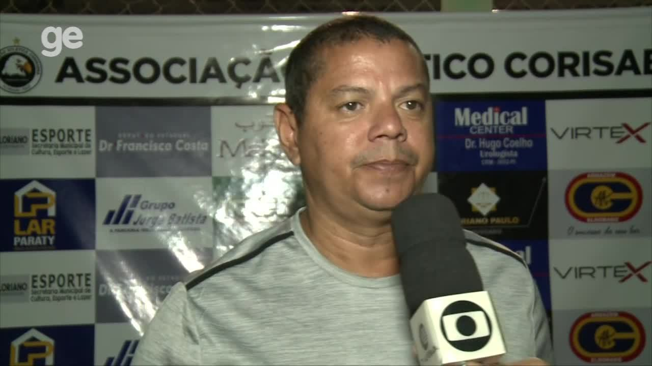 """Valdomiro Ferreira comanda primeiro amistoso e avalia o Cori-Sabbá: """"Tem que qualificar"""""""
