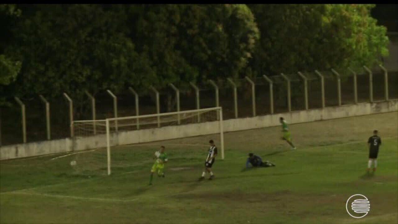 Cori-sabbá disputa amistoso e vence com gol do presidente do clube