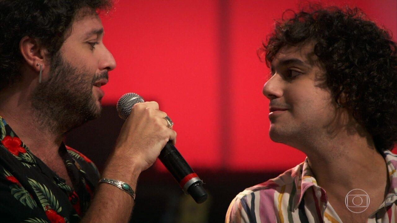 """George e Pedroca apresentam uma versão de """"Estou Apaixonado"""""""