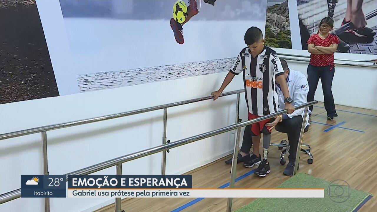 Gabriel Lucas estreia prótese depois de perder perna em acidente com linha chilena