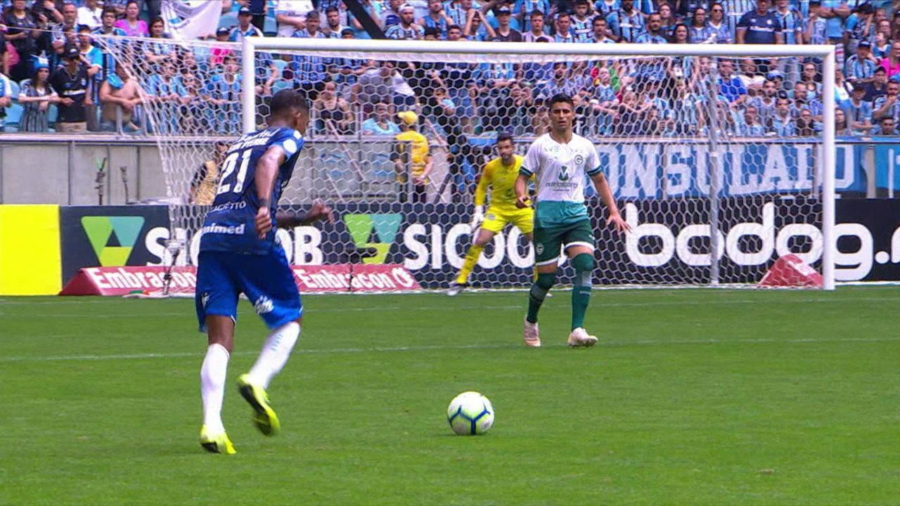 Melhores momentos de Grêmio 3 x 0 Goiás, pela 19ª rodada do Campeonato Brasileiro