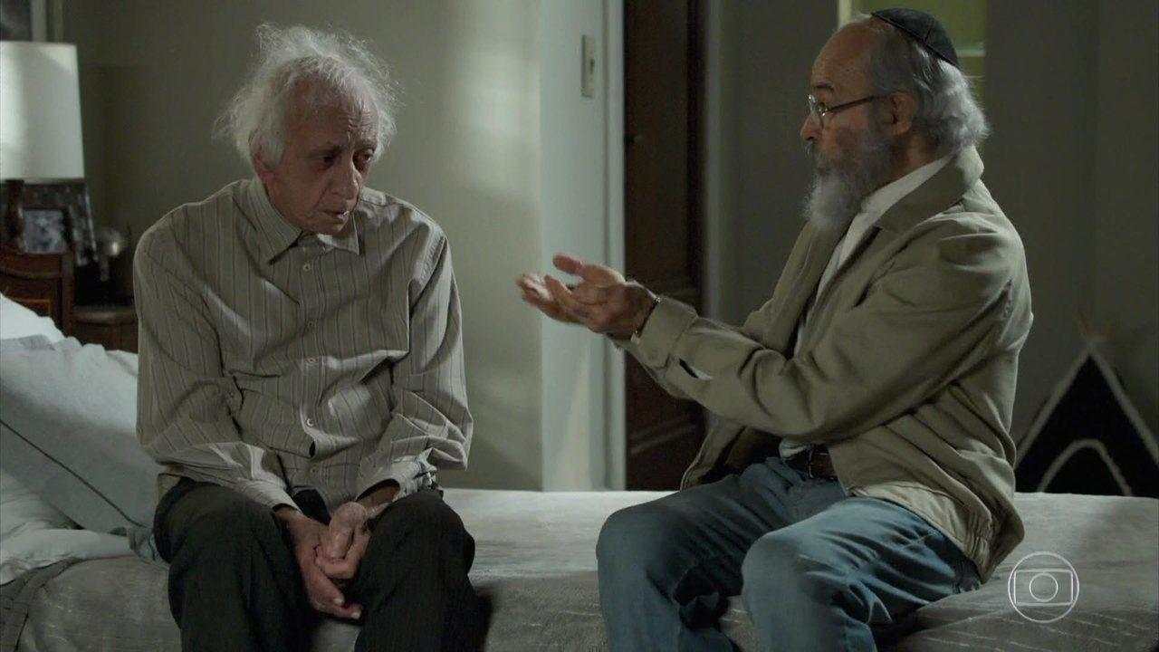 Ali conta para Bóris que Mamede caiu no golpe do bilhete premiado