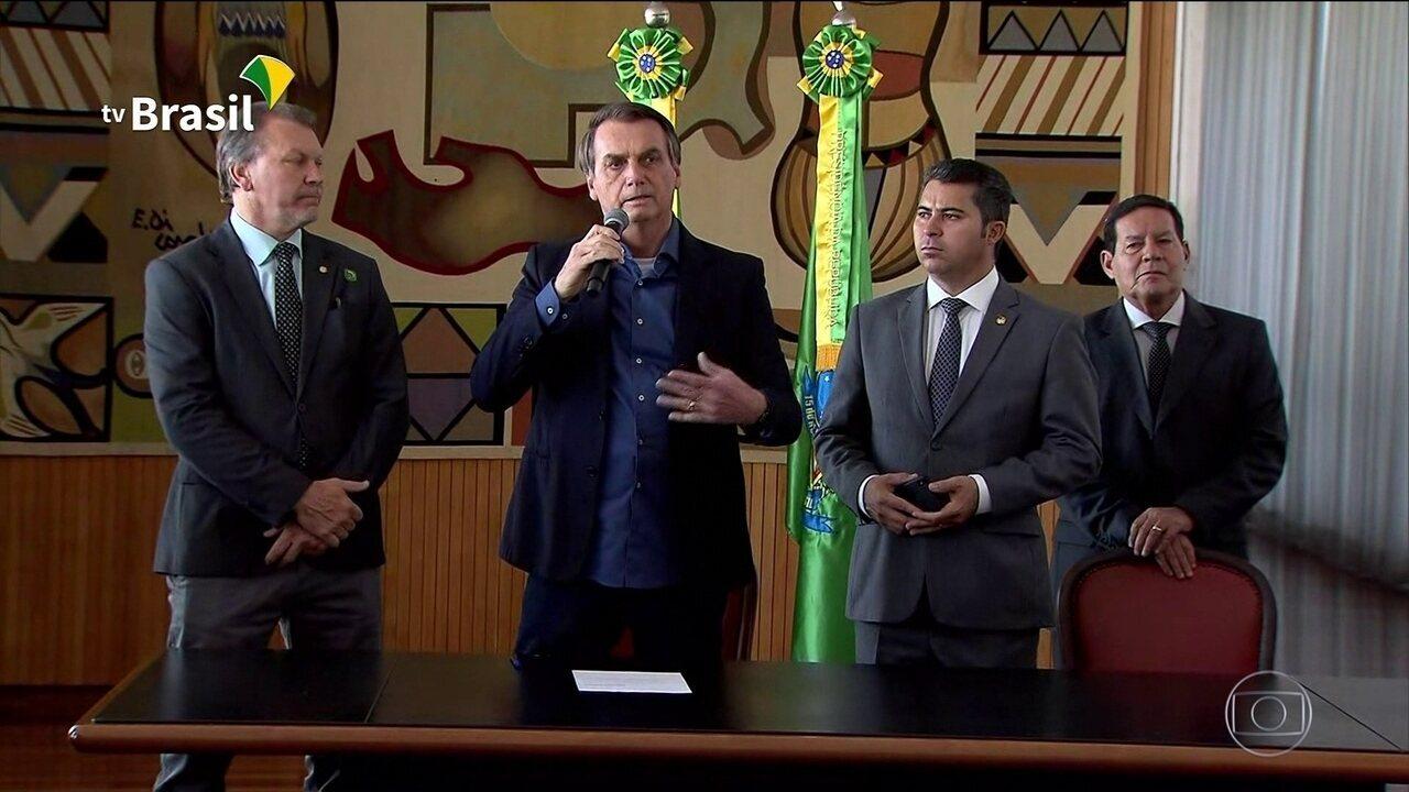 O presidente Bolsonaro sancionou lei que amplia a posse de arma na área rural