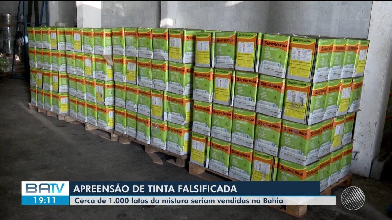Cerca de mil latas de tinta falsificadas são apreendidas em galpão em Simões Filho