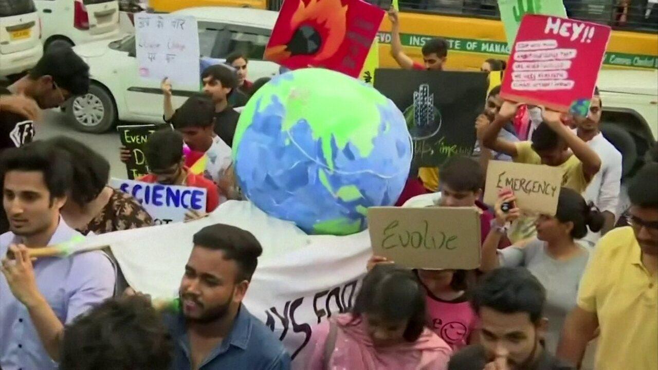 Estudantes lideram protesto mundial contra mudanças climáticas