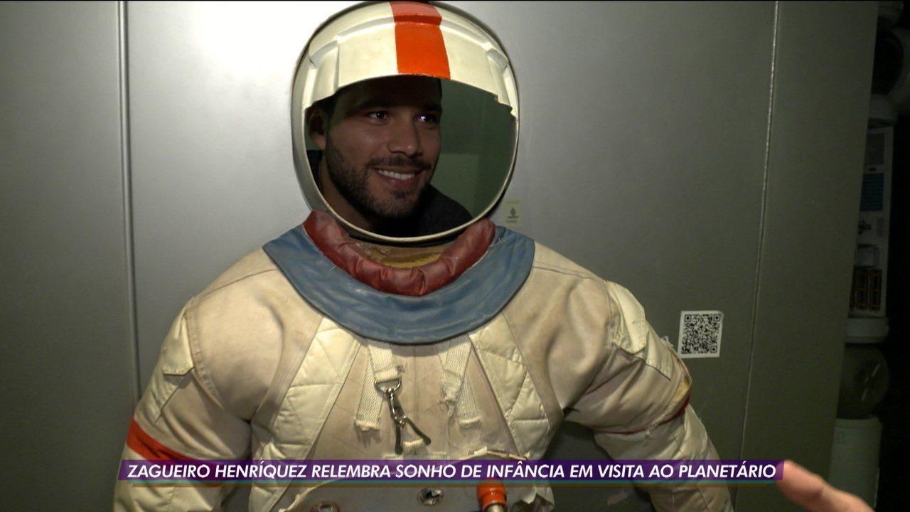 Henríquez, zagueiro do Vasco, relembra sonho de infância em visita ao planetário