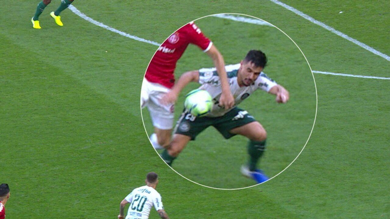 PC de Oliveira comenta gol anulado do Palmeiras em empate com o Internacional