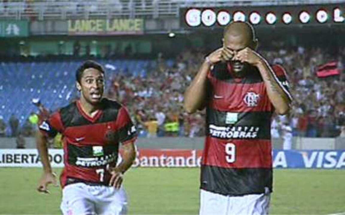 Flamengo vence e Souza provoca o Botafogo